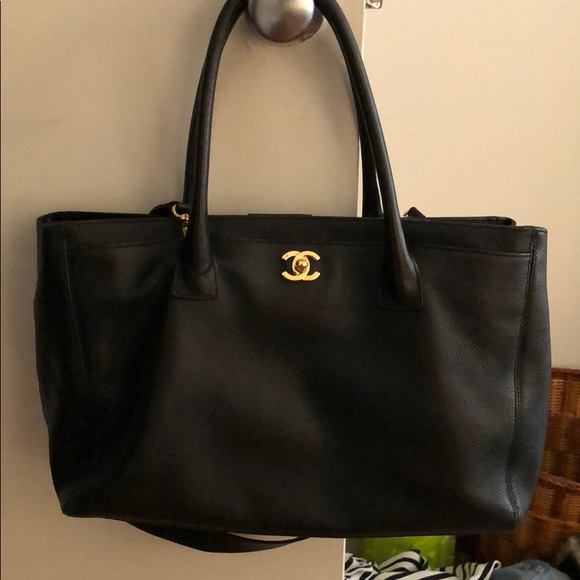 7ffab3b278fe Chanel Handbags - Chanel Cerf Tote